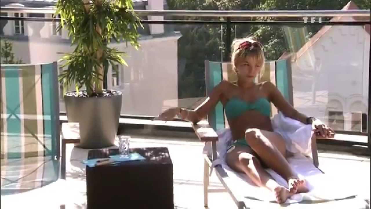 Elodie Fontan en bikini
