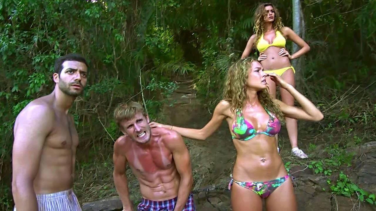 Elodie Fontan se desnuda