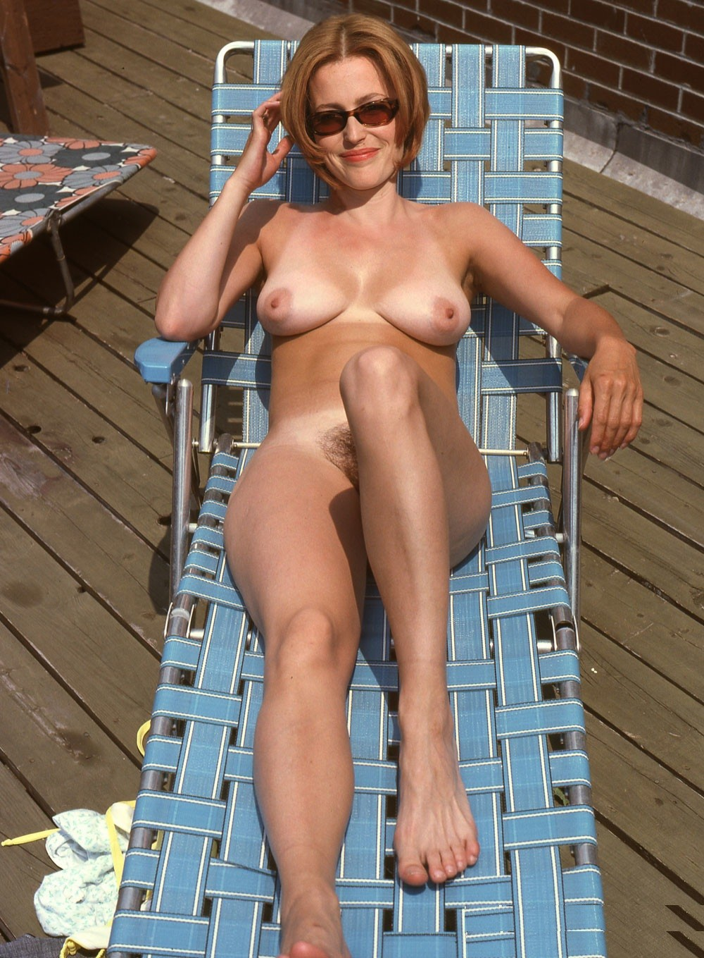 Gillian Anderson toples