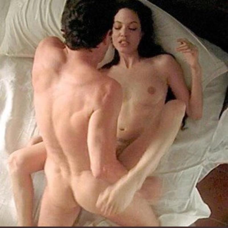 Laura Smet se desnuda