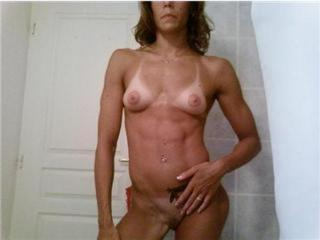 Laure Manaudou desnuda