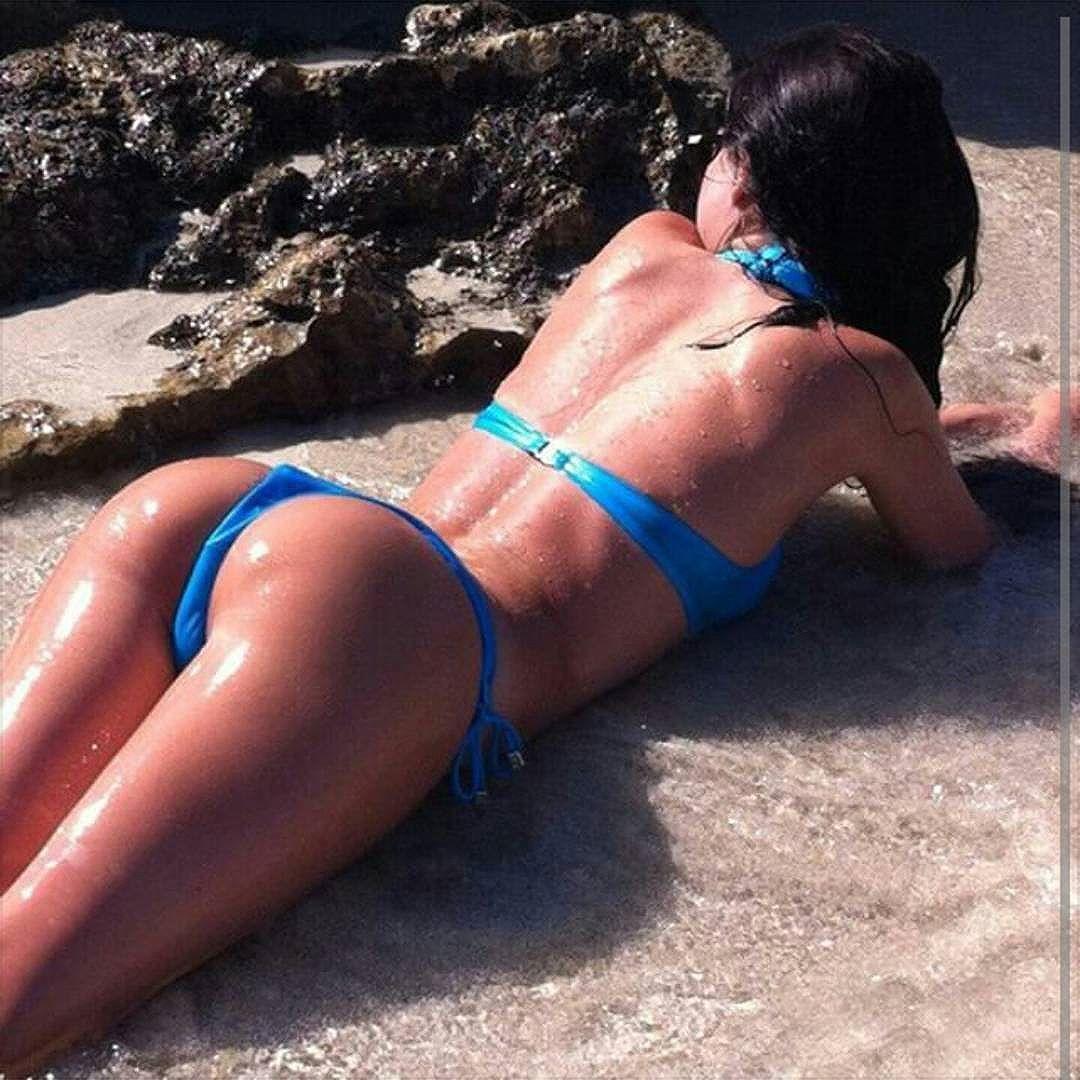 Maisie Williams en bikini